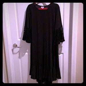 NWOT LuLaRoe Maurine Solid Black with Lace Sleeves